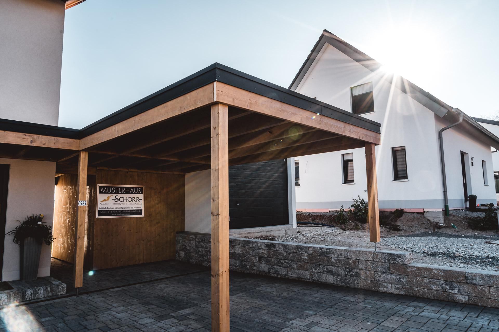 Holzbau Schorr Musterhaus Carport